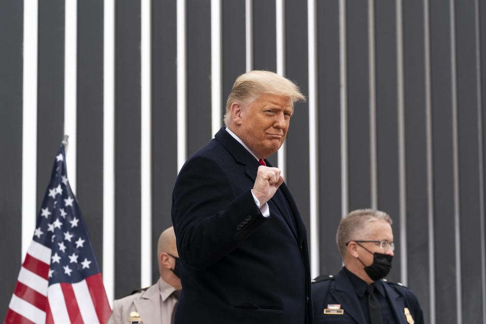 US-Präsident Donald Trump (74) will vor seinem Abschied aus dem Weißen Haus noch einmal Politik machen, aber sein Nachfolger Joe Biden lässt das nicht zu.