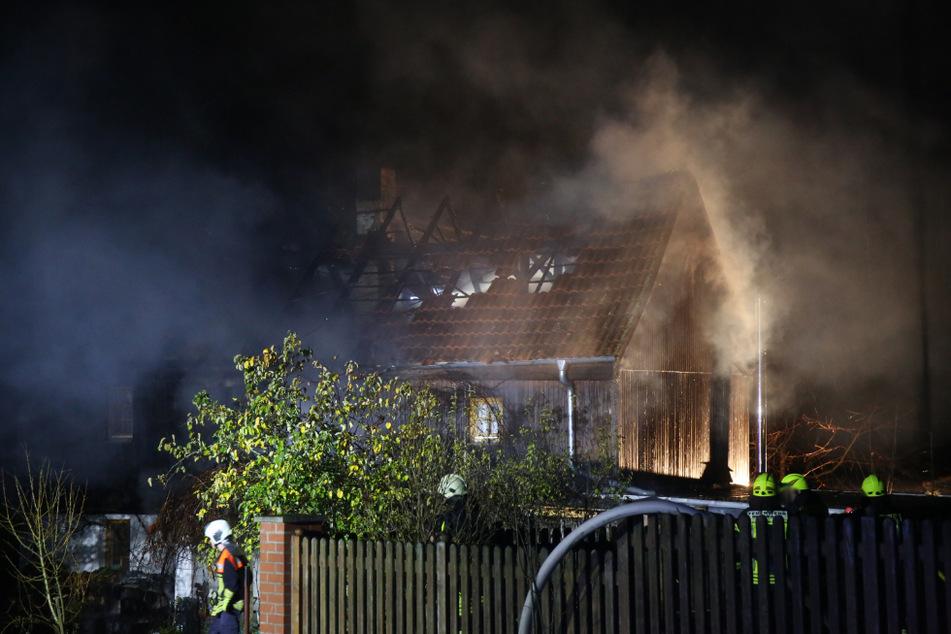 Feuer zerstört Einfamilienhaus im Saale-Orla-Kreis
