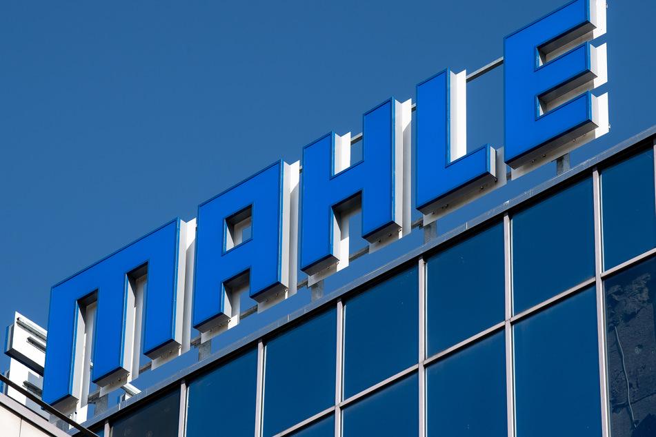 Insgesamt sind von den Stellenstreichungen bei Mahle hierzulande zehn deutsche Standorte einschließlich des Stammsitzes betroffen.