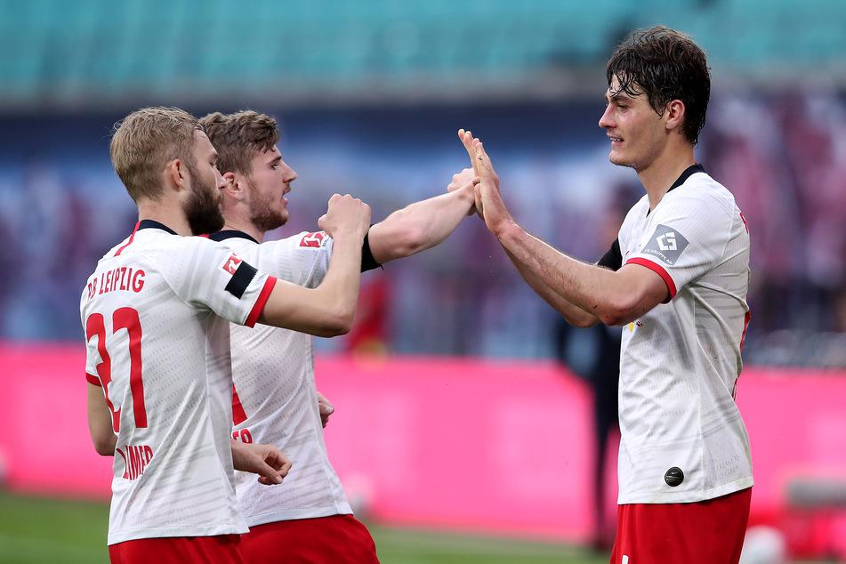 Patrik Schick (24, r.) ist derzeit von AS Rom an Leipzig ausgeliehen.