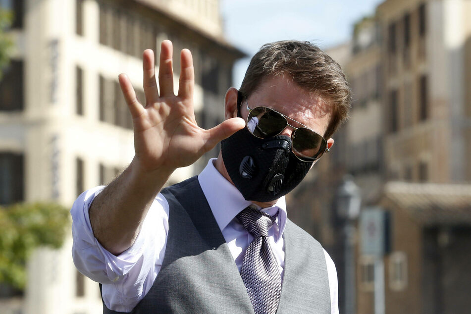 Tom Cruise (58) apparently takes coronavirus safety measures very seriously.