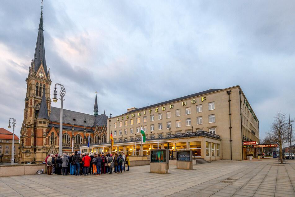 Im Chemnitzer Hof an der Straße der Nationen stieg am Wahlabend eine kleine Wahlparty der SPD. Der OB in spe blieb nur bis 23 Uhr.