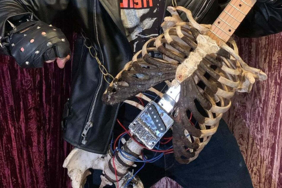 Next level death metal: Florida man uses uncle's remains to keep him rocking on