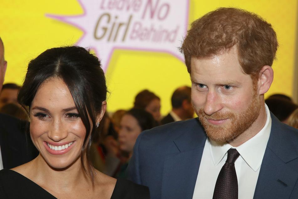 Harry und Meghan wollen sich erstmal aus der Öffentlichkeit zurückziehen.