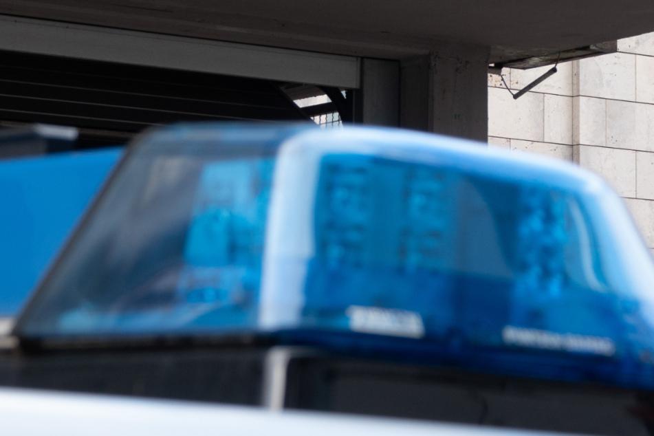 Trotz Reanimation erlag das Opfer laut Polizei seinen Verletzungen (Symbolbild).