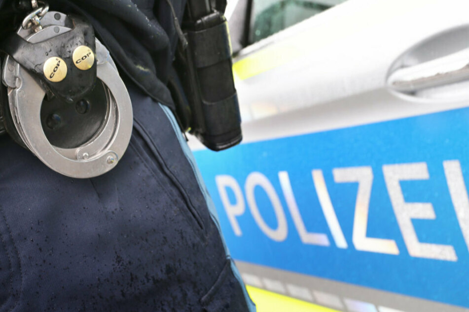 Von betrunkenem Fahrer bedroht: Polizist hat keine Wahl und zieht seine Schusswaffe