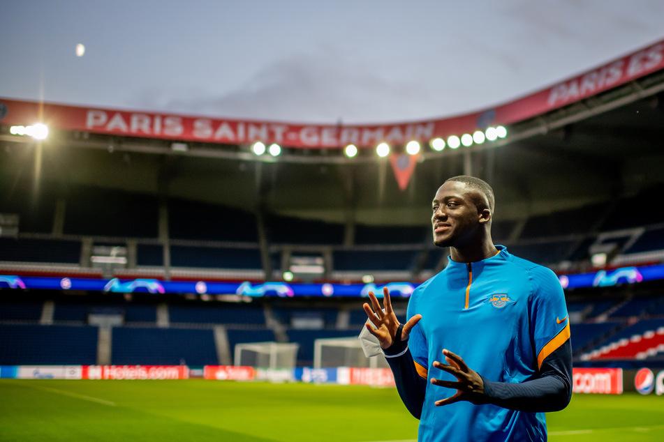 Ibrahima Konaté (21) ist international offenbar heiß begehrt. Dennoch hofft man in Leipzig, dass der Abwehrhüne noch länger bleibt.