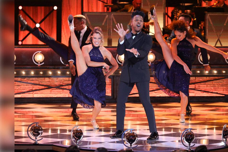 """""""Broadway's Back!"""" with a jubilant Tony Awards night"""