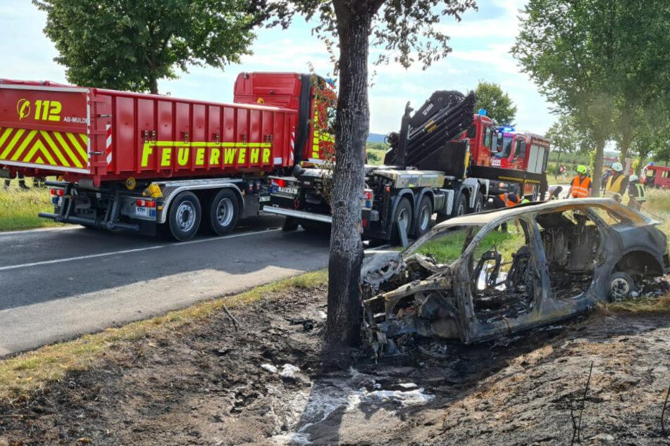 Nach Horror-Unfall mit E-Auto: Feuerwehr schlägt Alarm!