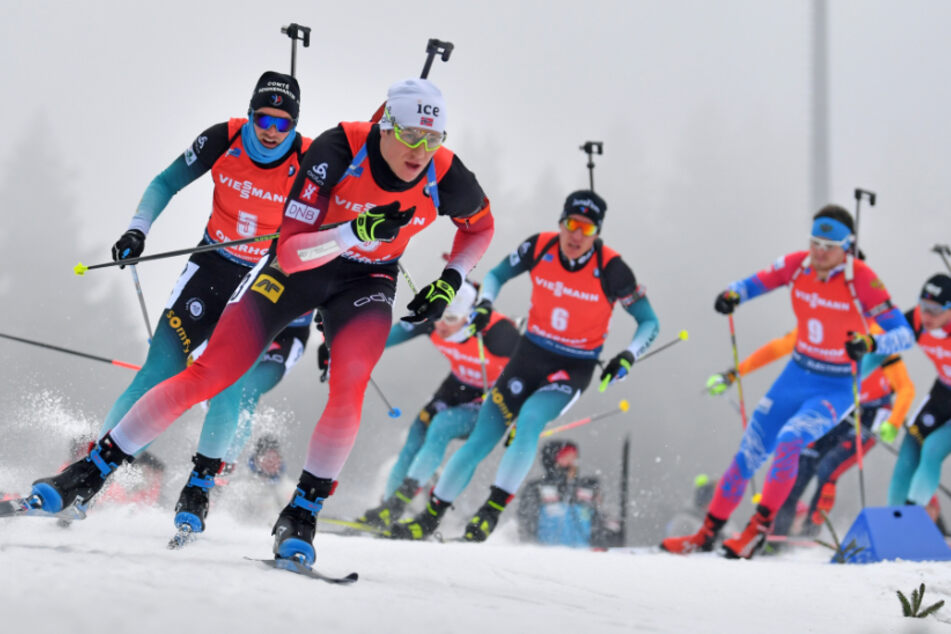 Vor dem ersten Biathlon-Weltcups in Oberhof hat es vier positive Corona-Fälle gegeben. (Archivbild)