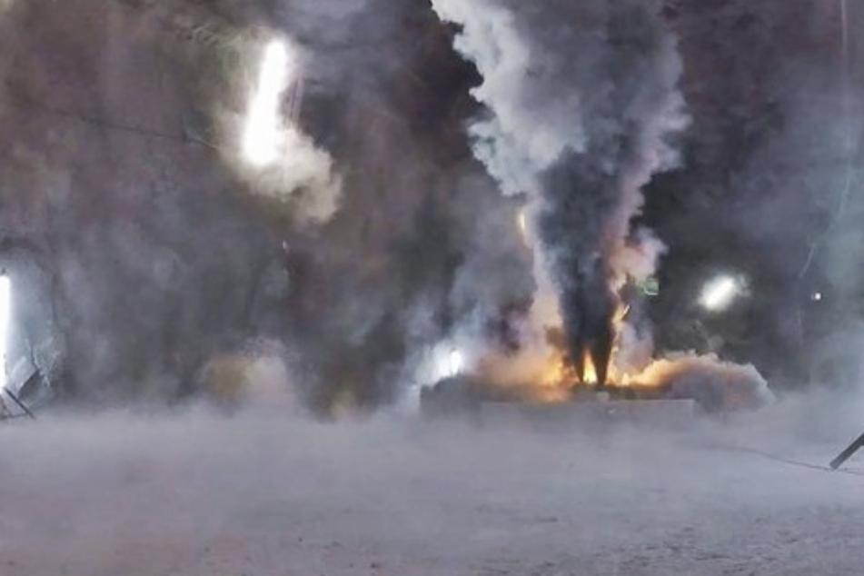 Ein brennender E-Auto-Akku verursachte jede Menge giftigen Rauch.