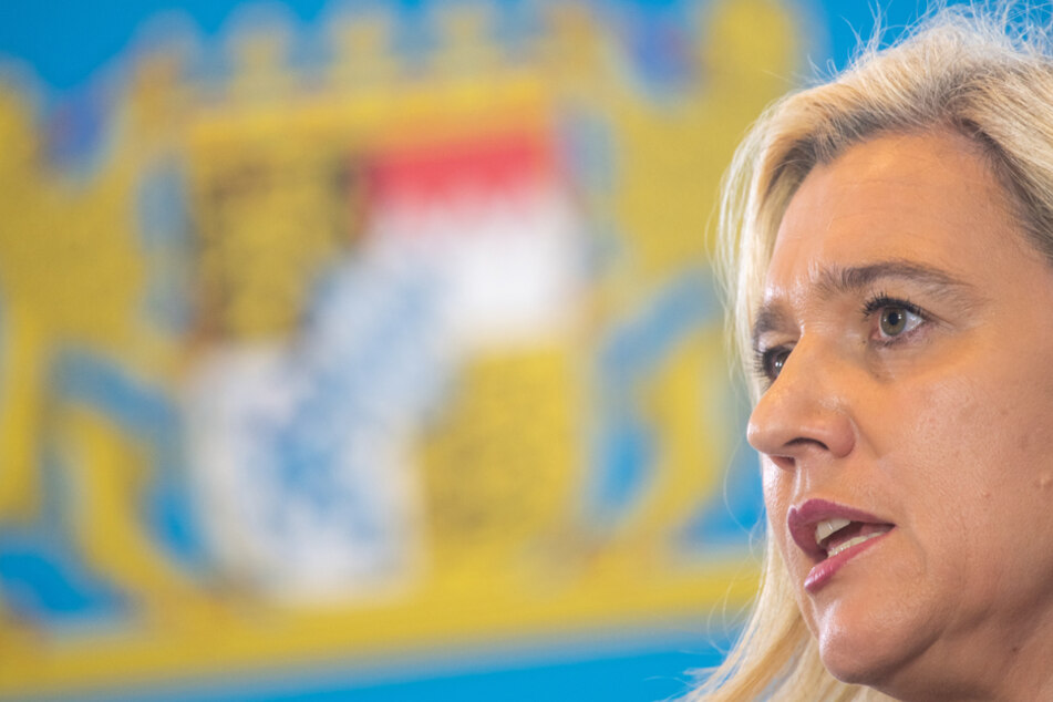 Bayerns Gesundheitsministerin Melanie Huml (45, CSU) appelliert an Pflegekräfte. (Archiv)