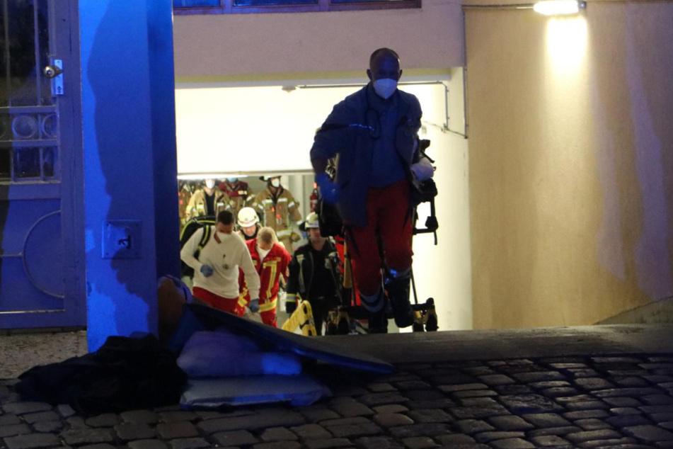Berlin: Betrunkene Frau überfährt schlafenden Obdachlosen und schleift ihn über 40 Meter mit