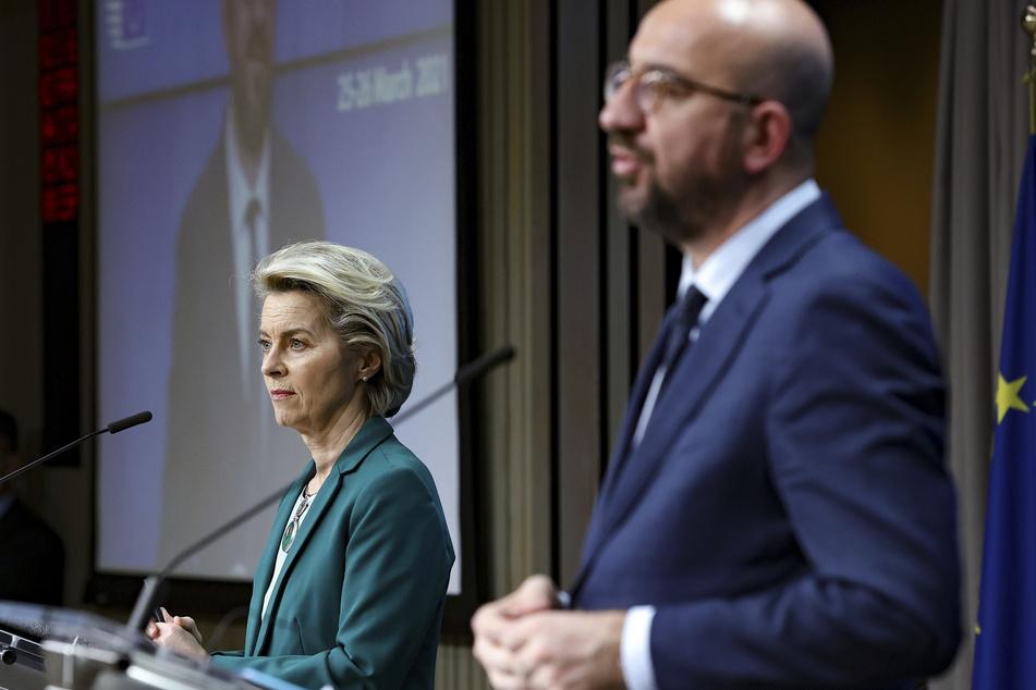 Ursula von der Leyen (62), Präsidentin der Europäischen Kommission, und Charles Michel (45), Präsident des Europäischen Rates, sprechen nach dem EU-Gipfel zu der Presse.