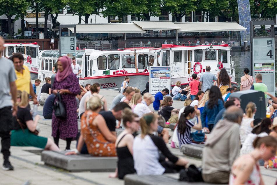 Neue Corona-Verordnung: Treffen mit 25 Menschen in Hamburg wieder möglich