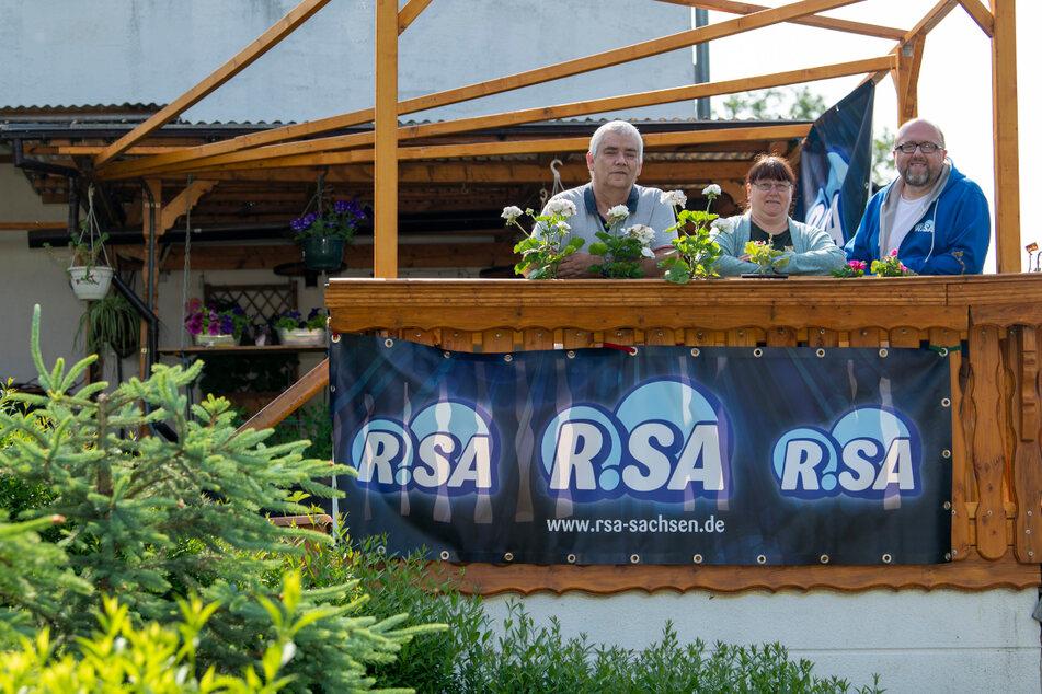 Zwischen Aufstehen und Frühstück: Poschi geht mit Terrassen-Radio auf Sendung