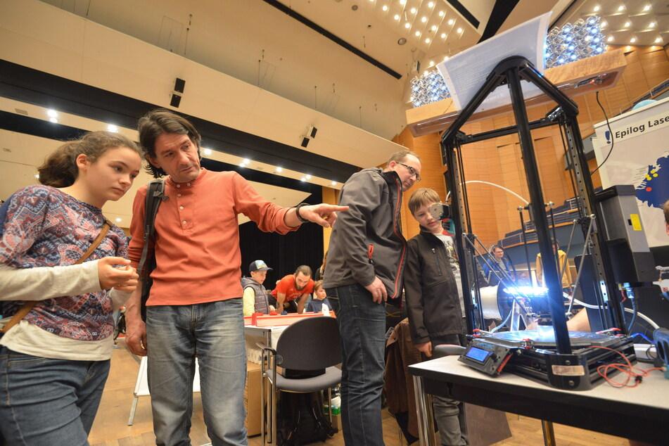 """Die Tüftler-Messe """"Maker Faire"""" ist Anziehungspunkt für Kinder und Jugendliche - 2021 findet sie im Freien statt."""