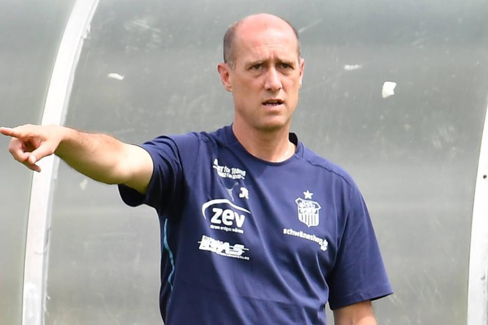 Joe Enochs (49) sah beim Test gegen Nürnberg noch viel Luft nach oben.