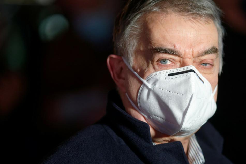 NRW-Innenminister Herbert Reul mit gefährlicher Corona-Mutante infiziert!