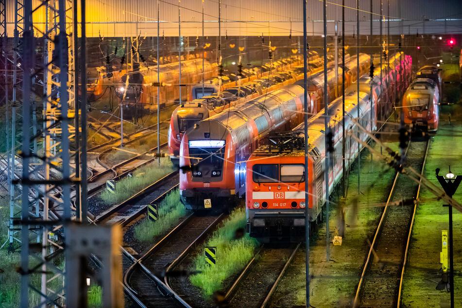 Reisende müssen aufgrund des Streiks der Gewerkschaft Deutscher Lokomotivführer nach wie vor mit vollen Zügen, zahlreichen Ausfällen und Verspätungen rechnen.