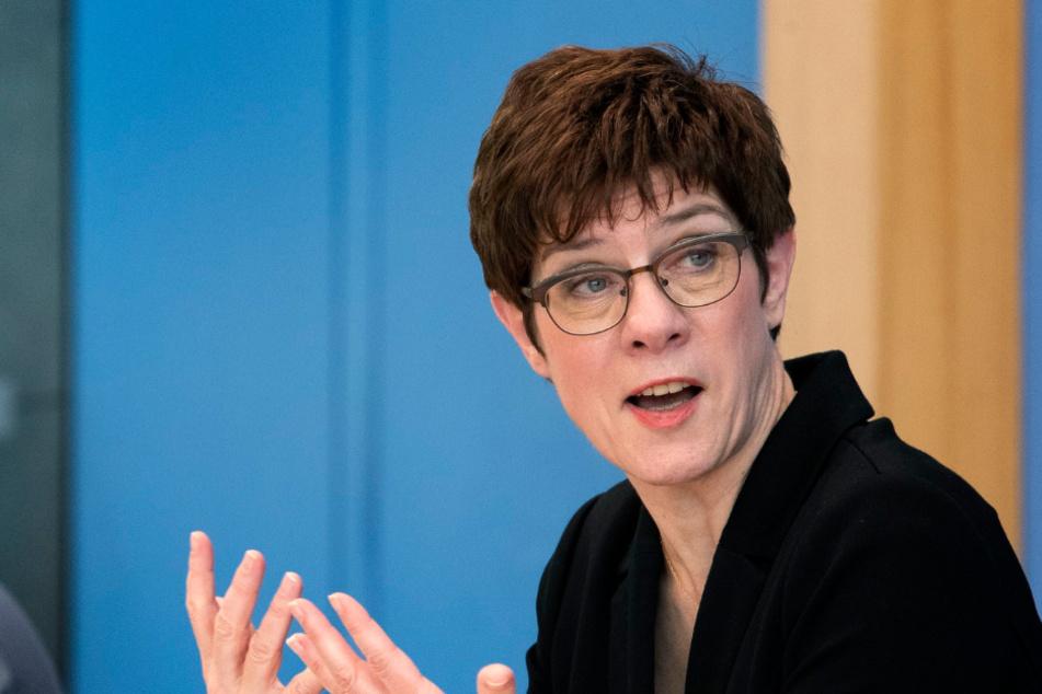 CDU-Vorsitzede Annegret Kramp-Karrenbauer sieht in der Lockerung einen Prozess.