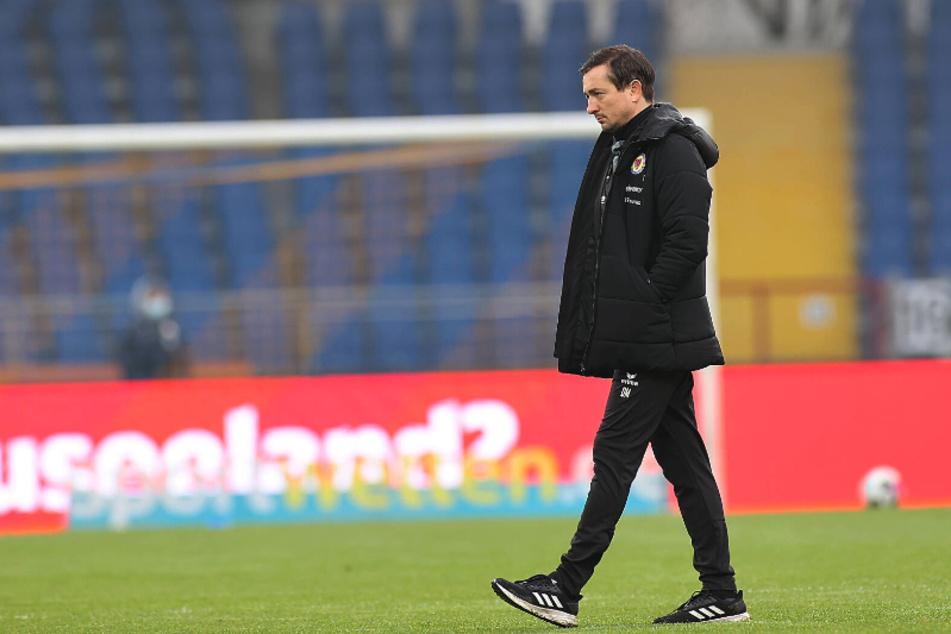 So richtig rund läuft es für Aufsteiger Eintracht Braunschweig und Trainer Daniel Meyer noch nicht. Die Löwen sind noch ohne Sieg auswärts. Das wollen sie Sonntag ändern.