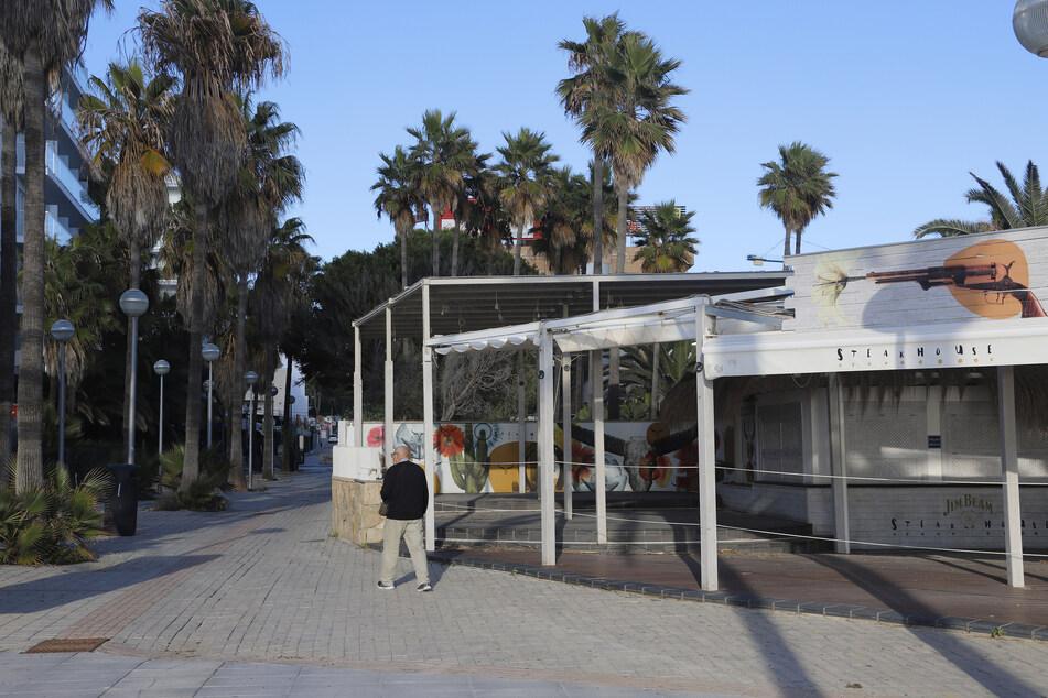 Auf den Balearen wurde zuletzt eine 14-Tage-Inzidenz von 529 festgestellt, deshalb müssen die Restaurants auf Mallorca bald wieder geschlossen bleiben.