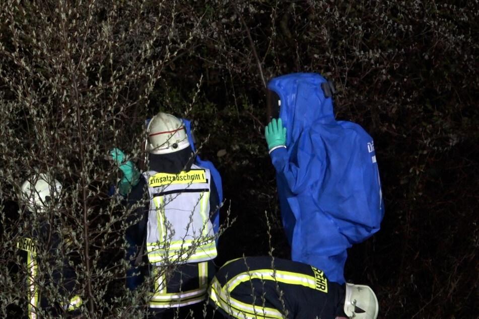 Da Gefahrstoffe ausliefen, mussten Einsatzkräfte des ABC-Dienstes anrücken.
