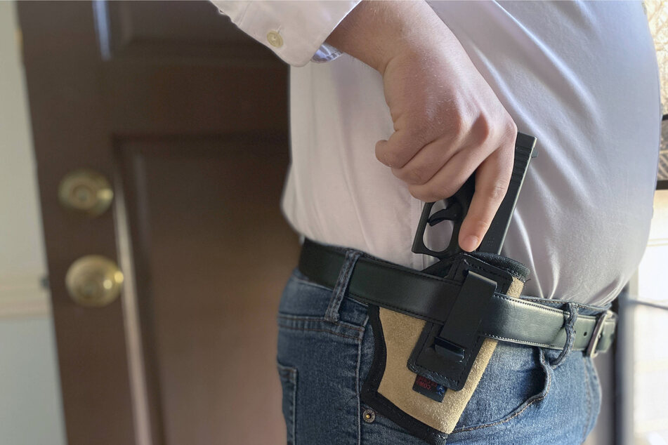 "Leading law enforcement groups oppose the new ""open carry"" law."