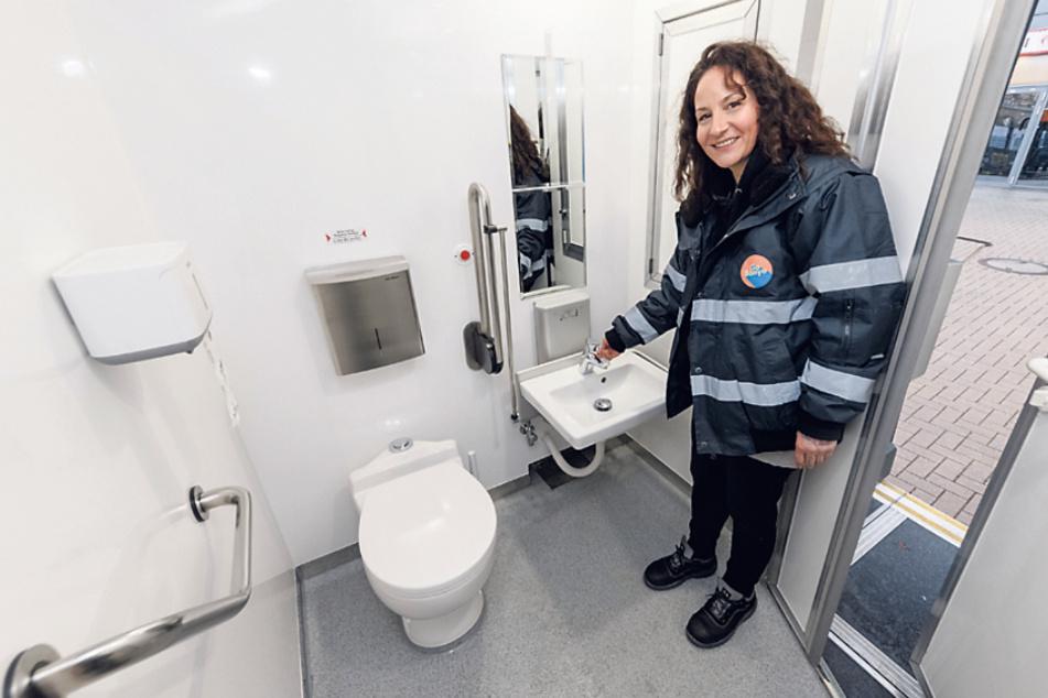In den Bussen gibt es mehrere Dusch- und Waschräume für Obdachlose.