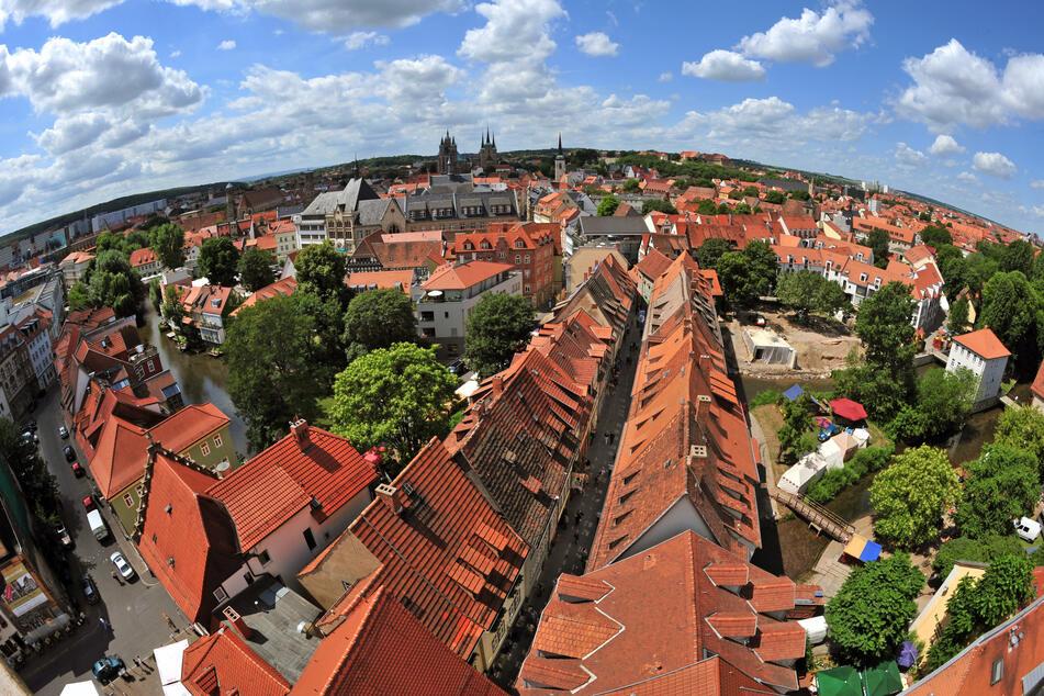 Die Inzidenz in Thüringen (im Foto: Blick auf die Krämerbrücke in Erfurt) sinkt weiter, weitere Lockerungen sind bald im Freistaat möglich.