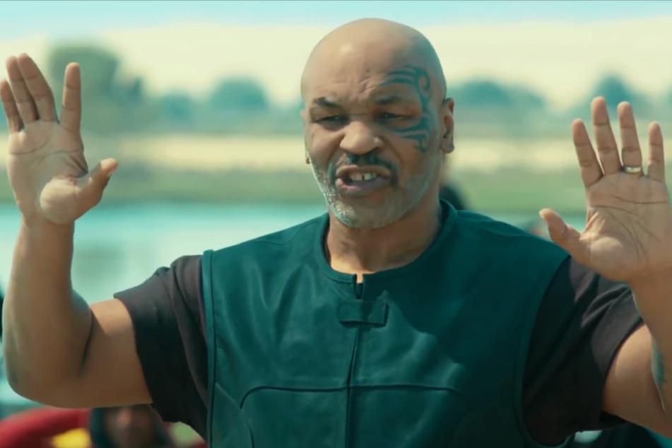 Mike Tyson spielt den ehemaligen Soldaten Rick, der Flüchtlinge rettet.