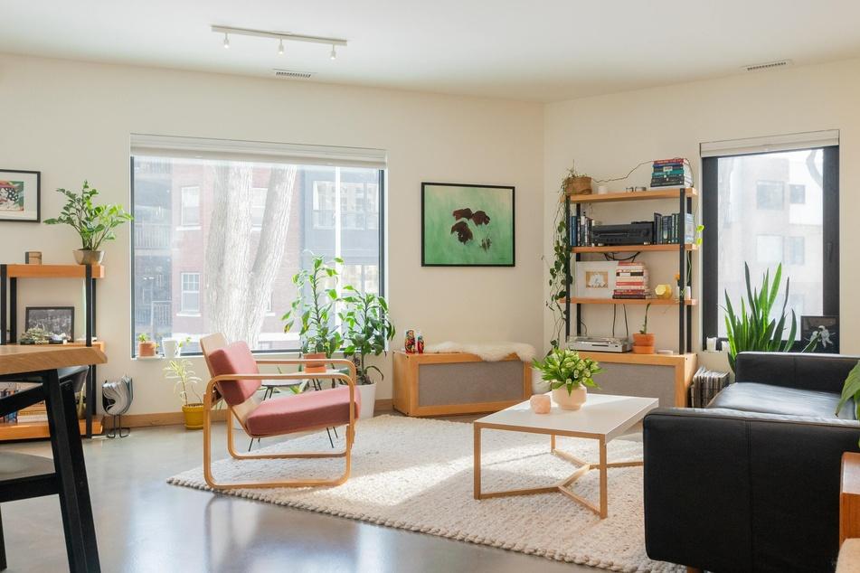 Möbel, die locker im Raum stehen, lassen diesen gleich viel luftiger wirken.