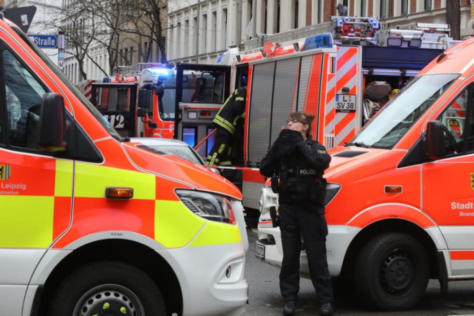Bei einem Wohnungsbrand an der Ludwigstraße in Leipzig sind am Mittwoch mindestens zwei Frauen verletzt worden.