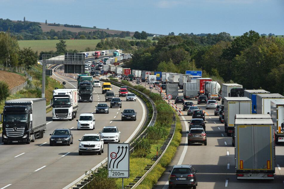 Kein Tag ohne Stau auf der A4 zwischen Chemnitz und Dresden. Die Autobahn war auch in diesen Sommerferien Staufalle Nummer eins.