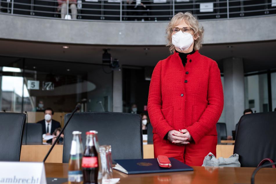 Christine Lambrecht (55, SPD), Bundesjustizministerin, brachte die Lockerungen ins Gespräch.
