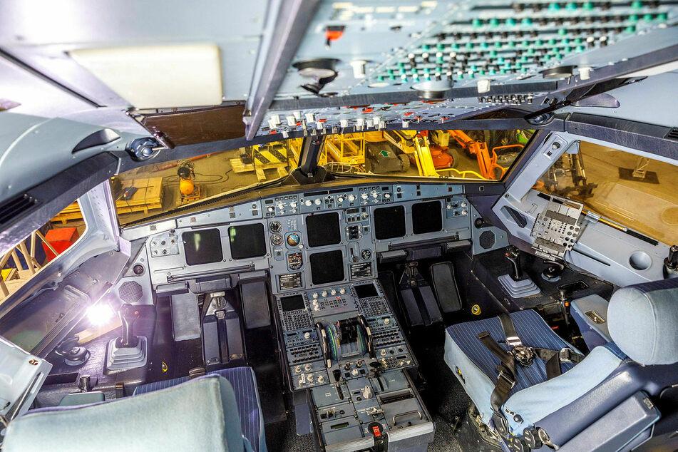 Roger, Ende und aus: Das Wertvollste im Cockpit sind die Bordcomputer.