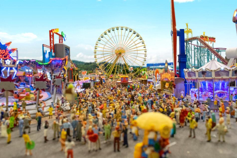 Neue Attraktion! Miniatur-Wunderland eröffnet Riesen-Kirmes