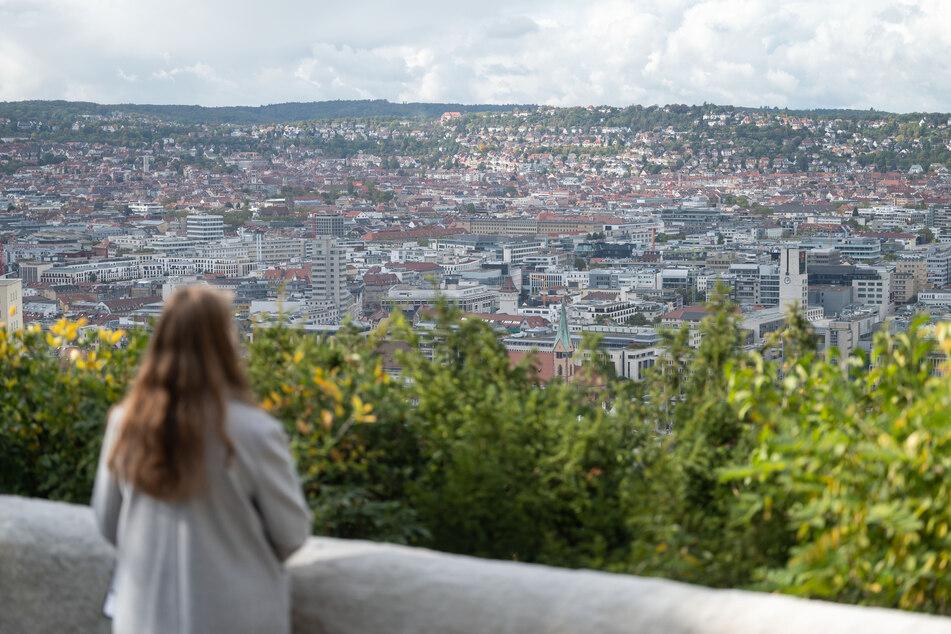 Der Aussichtspunkt Heinrich-Heine-Höhe war bisher bekannt als Wieland-Wagner-Höhe und wurde nun umbenannt.