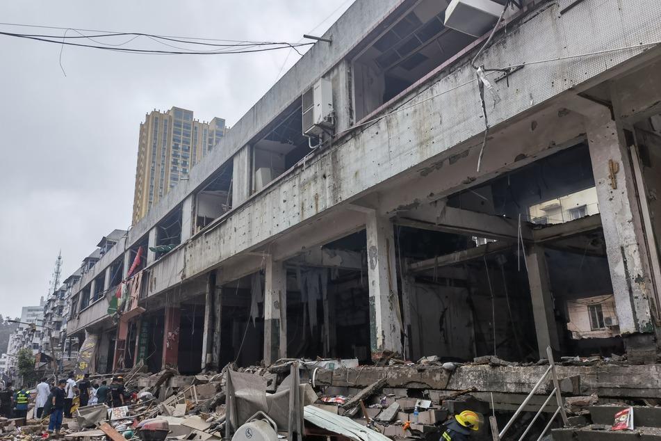Bei einer Gasexplosion in der zentralchinesischen Provinz Hubei sind staatlichen Medien zufolge am Sonntagmorgen mehrere Menschen getötet und zahlreiche schwer verletzt worden.