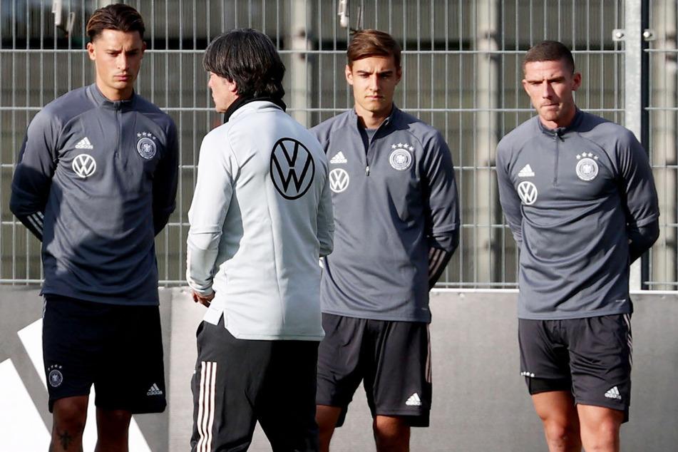 Robin Gosens (26, r.) soll auf dem Zettel der Verantwortlichen des FC Bayern München stehen. Kommt der Abwehrspieler im Sommer?