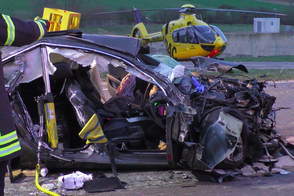 Ein Fahrer war im April 2021 frontal in das Auto einer Frau gekracht, die noch an der Unfallstelle ihren Verletzungen erlag.