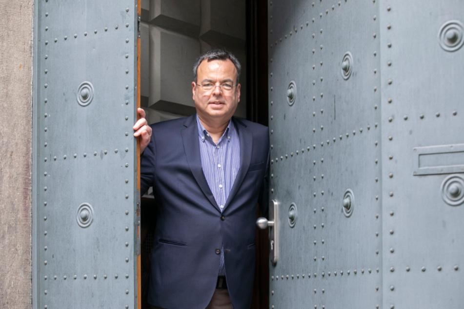 Prof. Dr. Peter Wiegand (55) öffnete am Samstag die Türen zum Hauptstaatsarchiv.