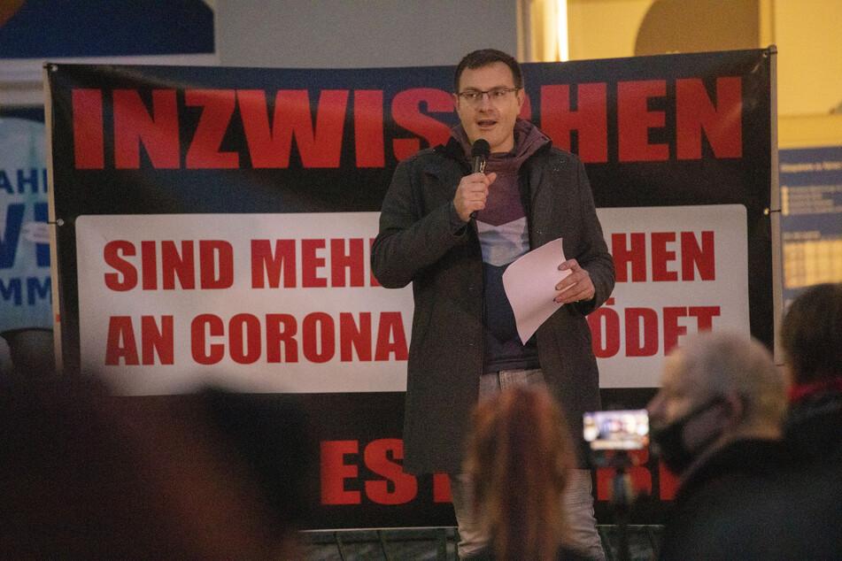 Stefan Hartung (31, NPD) hatte auf Facebook zu der Versammlung aufgerufen.