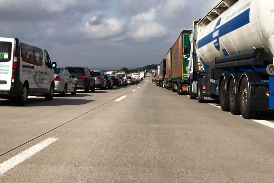 Die A72 ist in Richtung Plauen zwischen Hartenstein und Zwickau-Ost voll gesperrt.