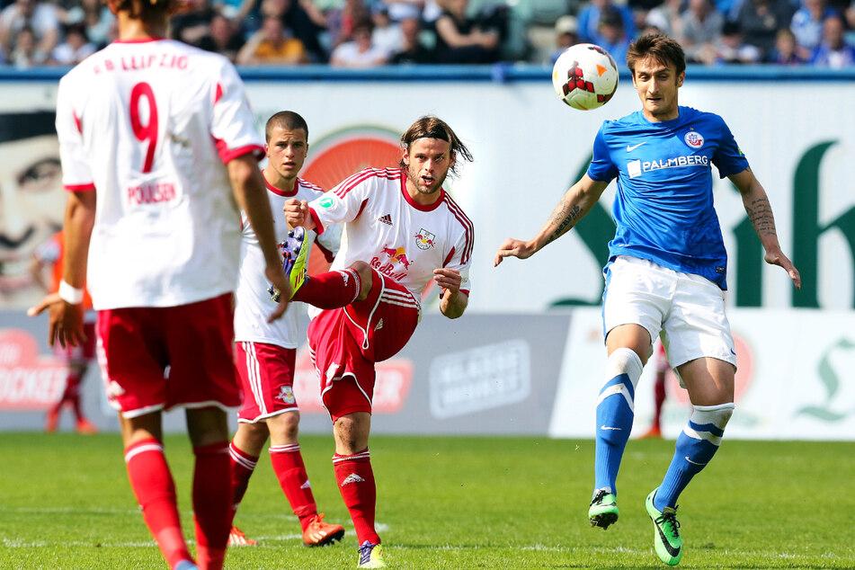 Mustafa Kučuković (34, rechts) spielte auch für den FC Hansa Rostock. (Archivbild)