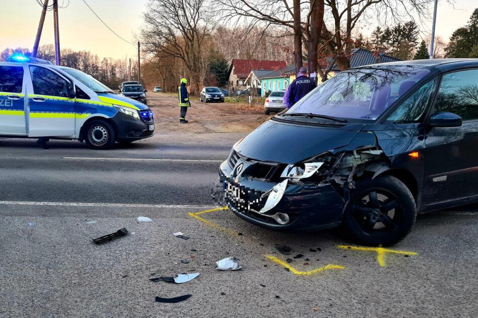 Die Polizei sichert die Unfallstelle.