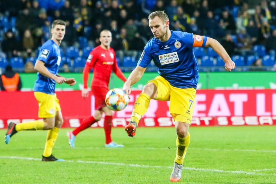 Der FC Viktoria 1889 sorgte mit der Verpflichtung von Bernd Nehrig (33) für Aufsehen. Der Ex-Kapitän von Eintracht Braunschweig steht sinnbildlich für die Ambitionen der Himmelblauen.