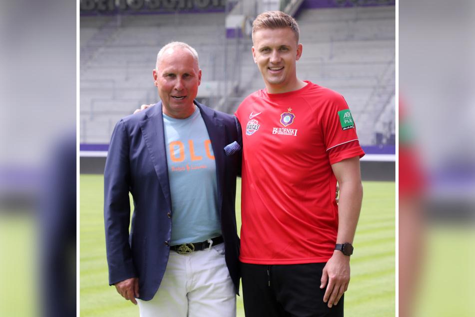 Da war die Laune noch gut: Helge Leonhardt (62) stellte Aleksey Shpilevski (33) Mitte Juni als neuen Trainer vor.