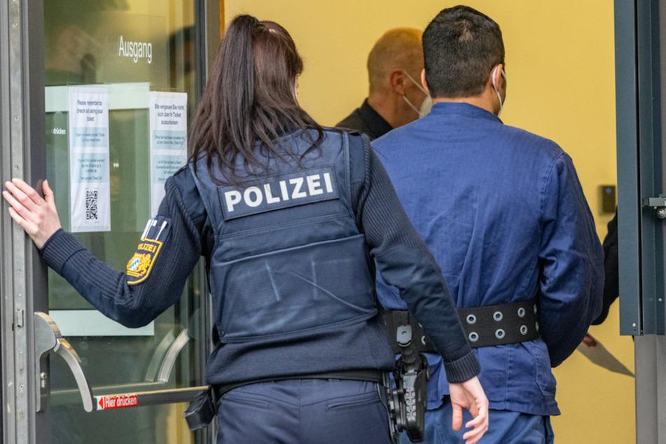Mutter auf Supermarkt-Parkplatz erstochen: Lebensgefährte wegen Mordes angeklagt